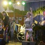 Die D-Lite Partyband beim Schützenfest Plettenberg 2016, Andreas Brückner Schlagzeug, Andreas Kober Bass, Patrick Sühl Gitarre, Elli Ernst Gesang, Michael Ernst Keyboards.