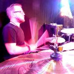 Andreas Brückner Schlagzeuger der D-Lite Partyband aus Geseke NRW beim Schützenfest Hellinghausen 2017