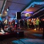 Die D-Lite Partyband aus Geseke beim Schützenfest Hellinghausen 2017