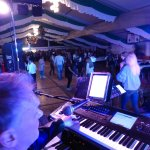 Michael Ernst an den Keyboards der D-Lite Partyband aus Geseke NRW beim Schützenfest Hellinghausen 2017