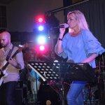 Elli Ernst Sängerin der D-Lite Partyband beim Schützenfest Plettenberg 2017 am Samstag