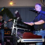 Michael Ernst an den Keyboards und Holger Voigt am Bass mit der D-Lite Partyband aus Geseke NRW beim Schützenfest Plettenberg 2017 am Samstag