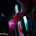 Michael Ernst an den Keyboards der D-Lite Partyband aus Geseke beim Schützenfest Sieveringen 2017