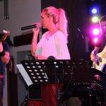 Die D-Lite Partyband mit Elli Ernst, Nico Deppisch und Davide Catalano beim Schützenfest Sieveringen 2017