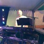 Michael Ernst-Keyboarder der D-Lite Partyband aus Geseke beim Schützenfest Boke 2017